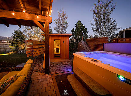 sauna-and-hot-tub-backyard